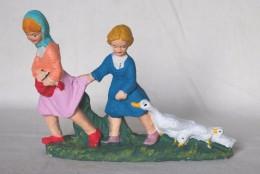 SAN 282 - SANTON - PRESEPIO - VECCHIE  STATUINE DI CARTAPESTA - BAMBINE CON LE OCHE - Alt. Cm. 10 - Christmas Cribs