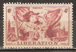 Timbre France Y&T N° 739 **. Libération 4 F. Rouge-brun. Cote 0,30 € - Unused Stamps
