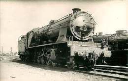 PHOTO VILAIN TRAIN - 300916 - 93 LE BOURGET 150E72 - Locomotive Gare Chemin De Fer - Le Bourget