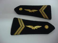 Epaulettes Armée De L'air Grade Sergent - Equipement