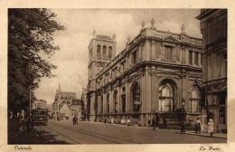 Lot De 2 Cartes - BELGIQUE - Flandre Occidentale - Ostende - La Place De La Gare - La Poste (trams). - Oostende
