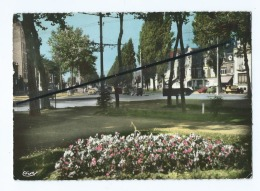 CPM Abîmée -   Marcq En Baroeul  - Avenue De La République - Marcq En Baroeul