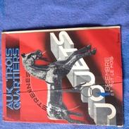 Revue - Aux Trois Quartiers - JOUETS - Reinoso ( état : Plis Sur La 1ère Page )- Mobiliers Mode Année 1932 Publicité - Books, Magazines, Comics