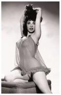 Sexy JENNIFER Actress PIN UP PHOTO Postcard - Publisher RWP 2003 (01) - Artiesten