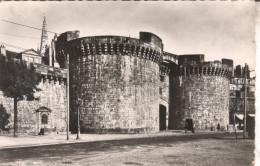 35MAL02A3/A4 CPSMPF 35 - SAINT MALO **2 CARTES**  LA GRANDE PORTE   1961 + LA TOUR BIDOUANE ET LES REMPARTS 1942 - Saint Malo