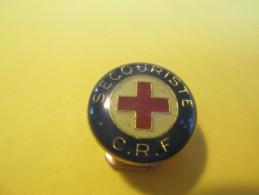 3 Petits Insignes De Boutonniére/Secouriste/C.R.F./Croix Rouge Française/D'époques Différentes/de 1930 à 1950   MED74 - Medicina