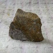 Z08 / PIERRE MINERALE GRISE BRILLANTE 3.5 X 3.2 X 1.4 Cm Environ 19 Gr - Mineralien