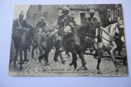 CPA MILITARIA MILITAIRE CAMPAGNE DE 1914 1915. Uhlans Faits Prisonniers à Guelzin (nord). - Guerra 1914-18