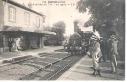 71 - IGUERANDE   - ARRIVEE DU TRAIN EN GARE . - Autres Communes
