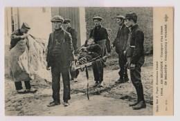 België 1914: Arbeiders Brengen Gewonde  Weg Op Komfortabele Draagberrie - Guerre 1914-18