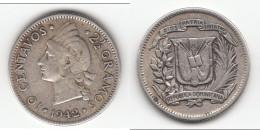 **** REPUBLIQUE DOMINICAINE - DOMINICAN REPUBLIC - 10 CENTAVOS 1942 - 2 1/2 GRAMOS 1942 - ARGENT **** ACHAT IMMEDIAT !!! - Dominicana