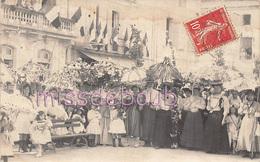 Carte Photo - Fête Des Fleurs - Femmes Et Enfants - Ombrelles Fleuries - Drapeaux  - Voir Les Scans - Recepciones