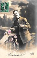 [DC3370] CPA - ANNIVERSAIRE - UOMO CON MANDOLINO - Viaggiata - Old Postcard - Cartoline