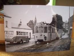 ROCHEFORT :PHOTO REPRO D´APRES NEGATIF -PAPIER KODAK-LE TRAM  DEVANT LA GARE SNCB LE 18/09/1954  BUS BURNAY DE FORRIERES - Rochefort