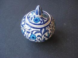 Boite Type Bonbonière Artisanale En Céramique & - Céramiques