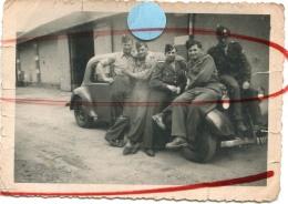 ROANNE 1951 Service Militaire France GAY Interest  Jeune Homme Soldats Sur 403 ? Peugeot Citroen - Guerra, Militari