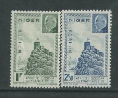 Niger N° 93 / 94 X Forteresse De Zinder Et Mal Pétain Les 2  Valeurs Trace De Charnière Sinon TB