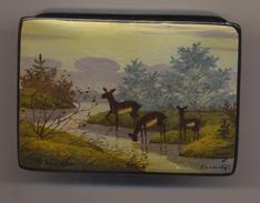 Boite Laquée Art De Palekh En RUSSIE Soviétique, Peinte à La Main, Signée Avec Preuve D'achat. - Altri