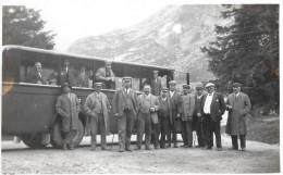 ALTER SAURER BUS → Ausflug Einer Illusterer Herrenschar Irgendwo In Den Alpen, Ca.1950 - Other