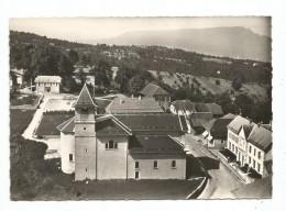 Le Montcel - Vue Aérienne -L'Eglise Et Le Village  (B.4379) - Non Classés