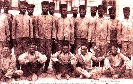GUERRE 1914.1915 / MARSEILLE / GROUPE DE SENEGALAIS CANTONNES AU PHARO / RARE - War 1914-18
