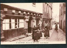 CPA - QUIMPER - Rue De Guéodet, Animé - Quimper