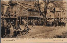 CPA LAOS Asie Indochine Non Circulé Village Laotien - Laos