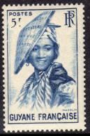Guyane N° 209 + 211 / 12  XX Aspects De La Guyane, Les 3 Valeurs Sans Charnière TB