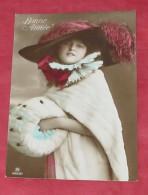 Belle Fantaisie Femme Au Chapeau :: Portrait - Fourure - Collerette   ---------- 382 - Women