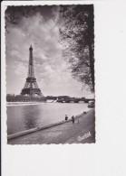 75 Paris La Tour Eiffel   Chantal N° 513 - Tour Eiffel