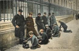 MARSEILLE PETITS CIREURS A L'OUVRAGE