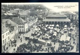 Cpa Du 29 Landivisiau -- Halle Et Marché  ( Tous Les Mercredis )      JIP15 - Landivisiau