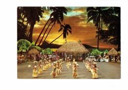 Tahiti - Danseurs De Otea - Femme Mi-nue Folklore Costume Hutte - Crépuscule - - Tahiti