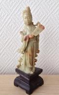 """TRES BELLE STATUETTE DEESSE KWAN YIU EN STEATITE, CHINE  """"AH1"""" - Art Asiatique"""