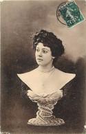 Ref L578- Femmes - Surrealisme - Buste Visage De Femme   -carte Bon Etat  - - Women