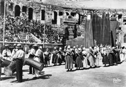 30-NIMES- AUX ARENES DE NÎMES - Nîmes