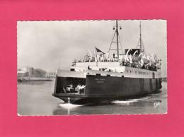 """BOULOGNE-SUR-MER, Entrée Dans Le Port Du """"Lord Warden"""", Animée, Ferry, (CAP), 62 Pas De Calais - Boulogne Sur Mer"""
