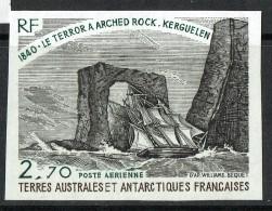 1980  Navire Terror à Arched Rock  Kerguelen  Yv PA 59  Rnon-dentelé  **   MNH - Imperforates, Proofs & Errors