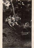 Petite Photo Originale Phare De Voiture Tacot Et Randonneurs - Automobili