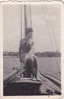 25822  Belgique -bateau Yatch -marin Femme Voilier -datée 1942 - Bateaux