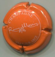 CAPSULE-CHAMPAGNE MASSIN Rémy N°13 Orange Pâle & Blanc - Other