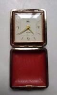 Ancien Réveil Fixé Dans Sa Boite - Fashion - Dateur - Alarme - Japan - Japon - Alarm Clocks