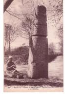 """Menhir Dit """"fuseau De Sainte Barbe """" Sur La Route De Cast à Ploeven"""" - France"""