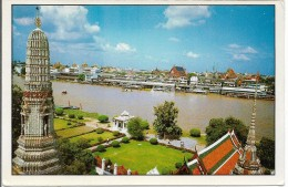 CPM -  THAÏLANDE - BANGKOK  - View Of Chao-Pra - Ya River , In Front Of Temple Of  Dawn . - Thailand