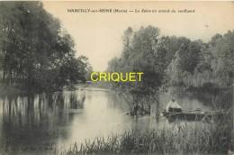 51 Marcilly Sur Seine, La Seine En Amont Du Confluent, Homme En Barque Au 1er Plan - Other Municipalities