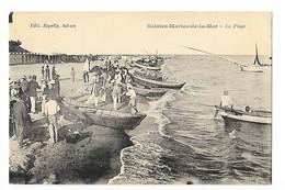 SAINTES-MARIES-DE-LA-MER  (cpa 13) La Plage - Barques  -    - L 1 - Saintes Maries De La Mer