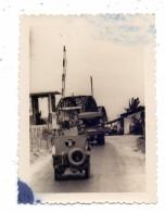 MILITÄR - Allierte Fahrzeuge Vor Brücke, Photo, 10 X 7 Cm - Ausrüstung
