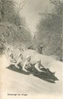 SPORT D'HIVER - BOBSLEIGH à QUATRE - UN VIRAGE. - Sports D'hiver