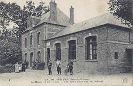 Hautot-sur- Mer (seine-Inférieure). La Mairie Et Les Ecoles - Francia