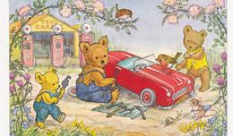 CPSM Animal Humanisé Position Humaine Ours Réparant Une Voiture Garagiste Pompe à Essence Teddy - Bears